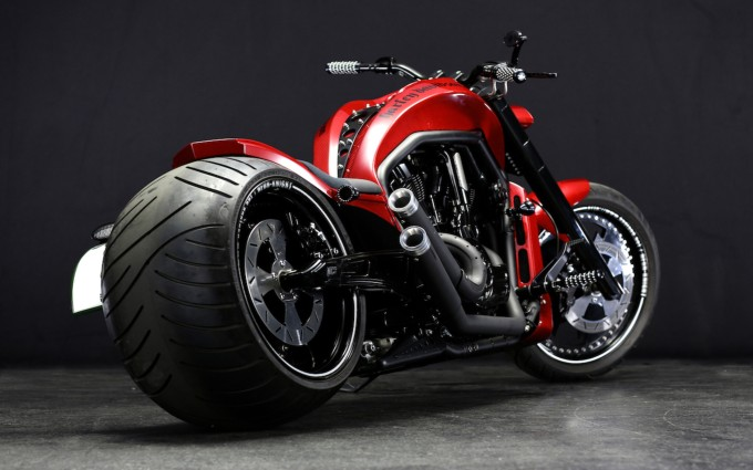 top 10 fastest bikes in the world 2015 harley v rod 680x425 - Top 10 Fast Cars In The World 2015