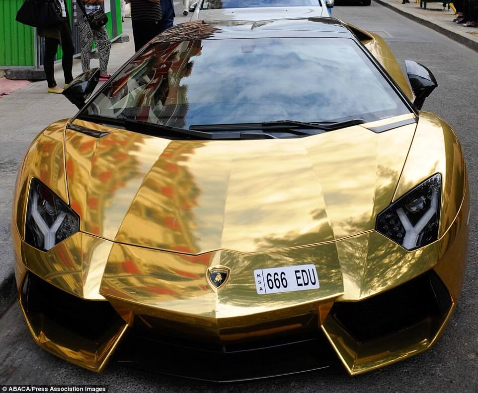 Gold Lamborghini Aventador Was Seen In Paris-passion4luxury-1